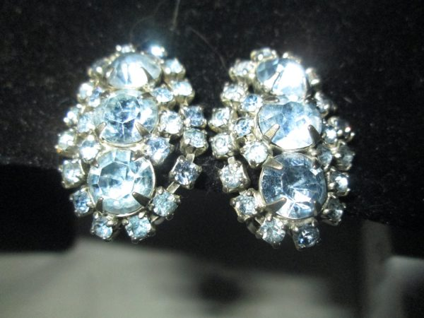 Beautiful Clip Mid Century Light Blue Rhinestone Clip Oval  Earrings with plated backs