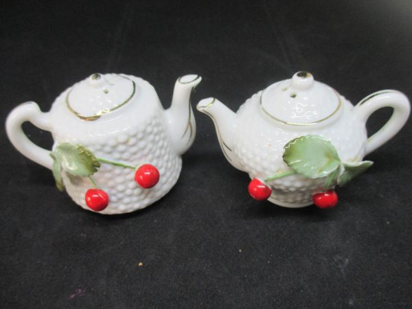 Fantastic Mid Century Coffee and Teapot Salt & Pepper Shakers decor collectible display tableware kitchen farmhouse cottage Fine China Japan