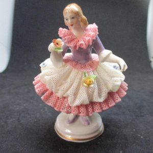 Figurines & Knick Knacks