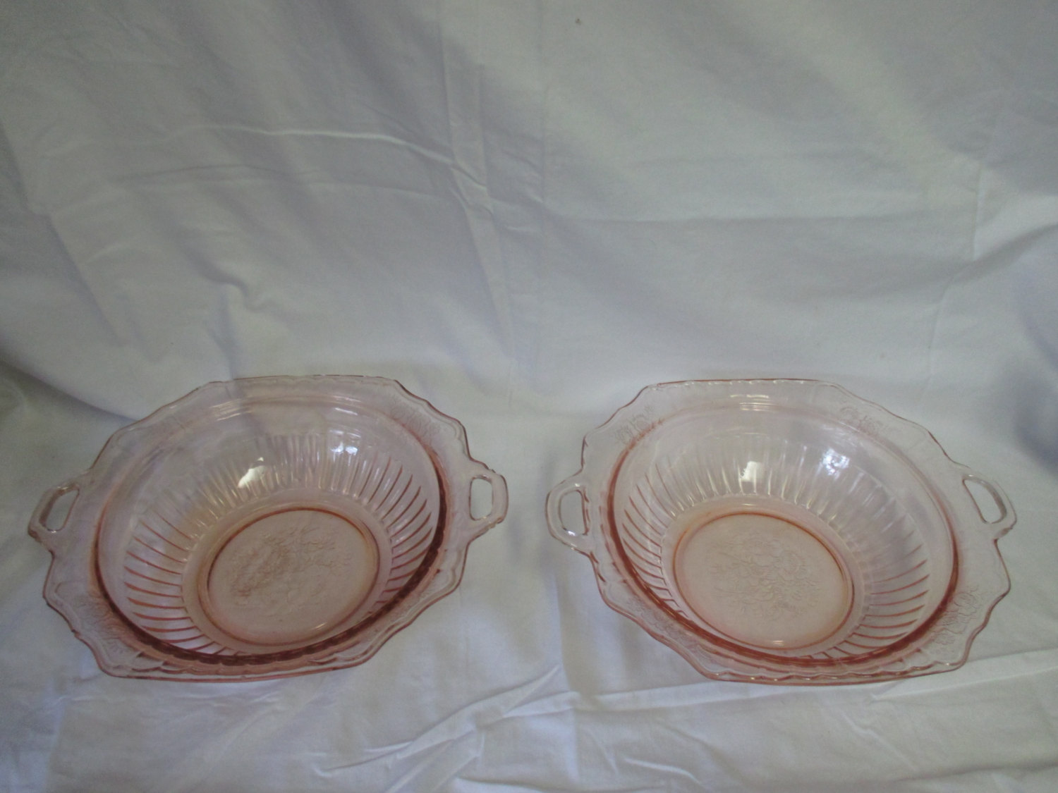Pretty Pink Vintage Swirl Glass Bowl with Handles Depression Glass