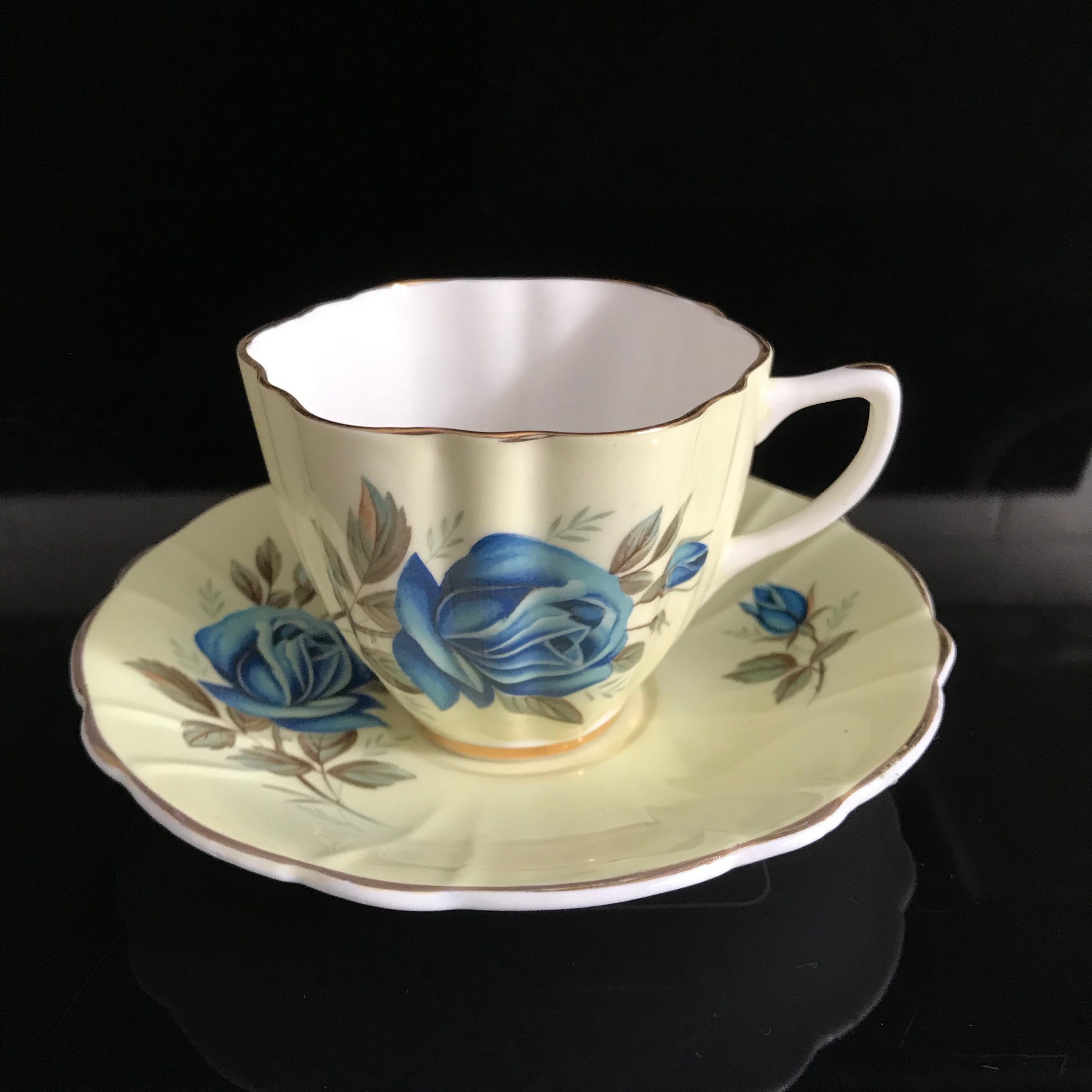 Crownford Tea Cup And Saucer England Fine Bone China Yellow With A Large Blue Rose A Blue Rose Bud Farmhouse Collectible Display Serving Carol S True Vintage And Antiques