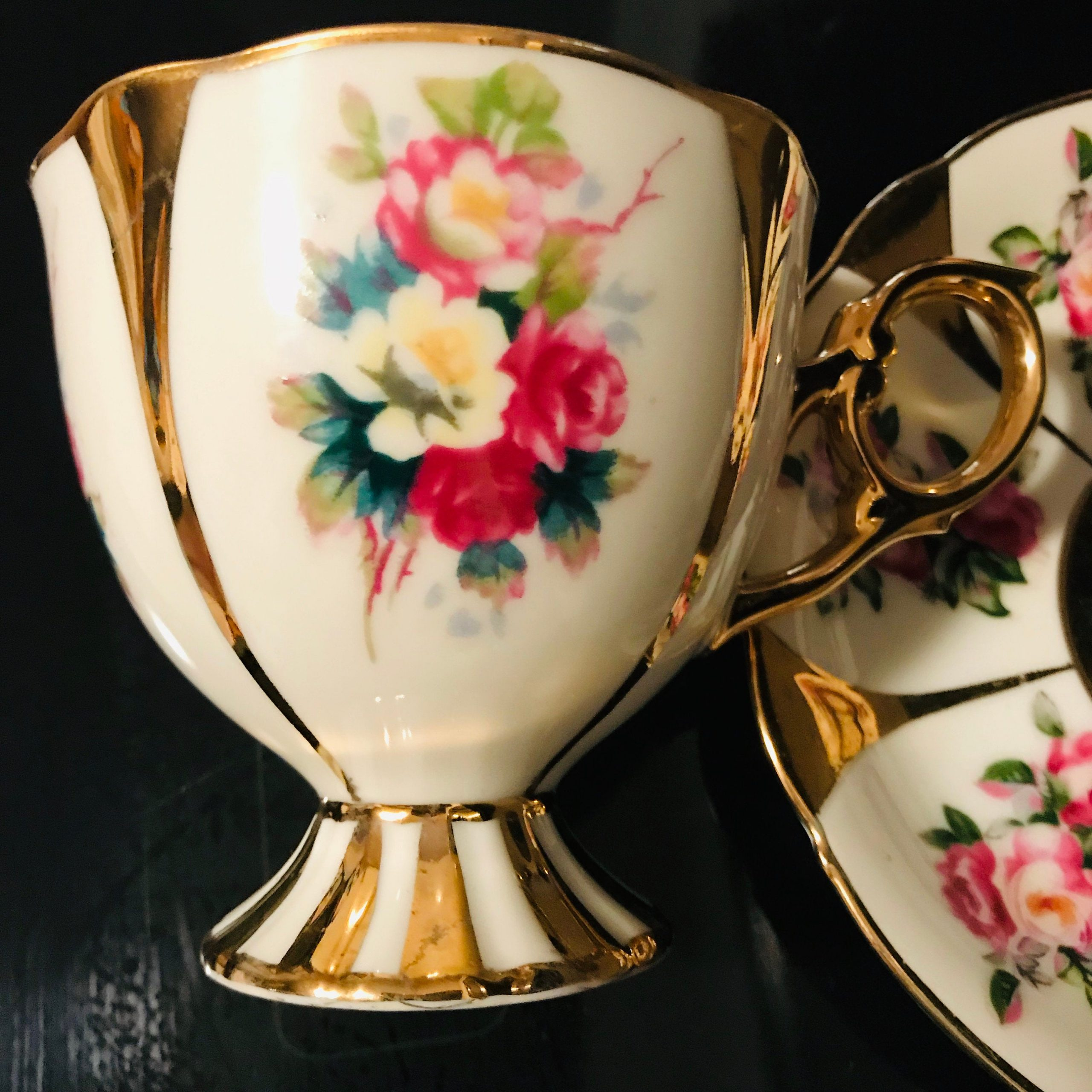Large model In very good condition Shafford cup and saucer Japan hand decorated with gold rose decoration cup and saucer